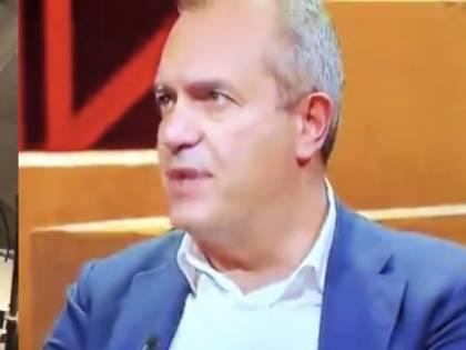 """Napoli in rivolta contro il lockdown, De Magistris preferisce stare in tv: """"Cosa devo fare?"""""""