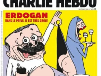 Vignetta di Charlie Hebdo contro Erdogan: mezzo nudo mentre scopre sedere a una donna