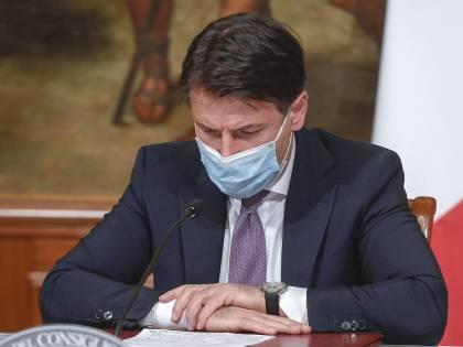 """Conte viene sfiduciato anche dal Pd: """"La piazza gli darà la spallata"""""""