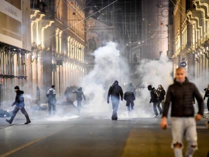 """Così i figli di immigrati hanno devastato Torino: """"Una gara a chi fa più casino"""""""