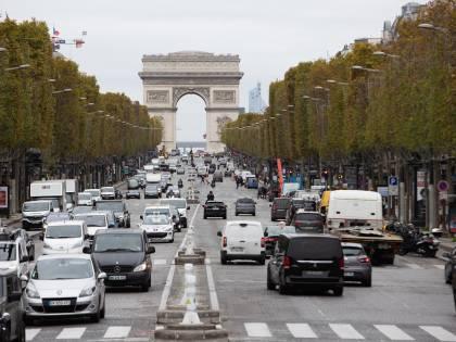 Francia in ginocchio