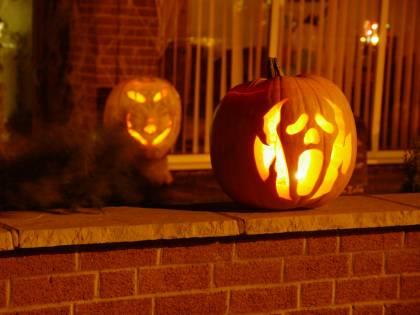 """Vicino fa la chiamata: """"C'è festa"""". Halloween finisce davvero male"""