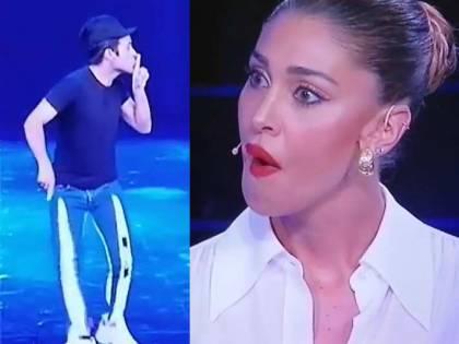 """Il concorrente zittisce Belen in tv La Rodriguez reagisce: """"Fallo davanti"""""""