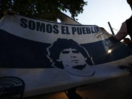 Paura per Maradona: operato d'urgenza alla testa