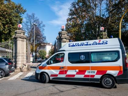 Scooterista ferito: oltre due ore a terra ad aspettare l'ambulanza