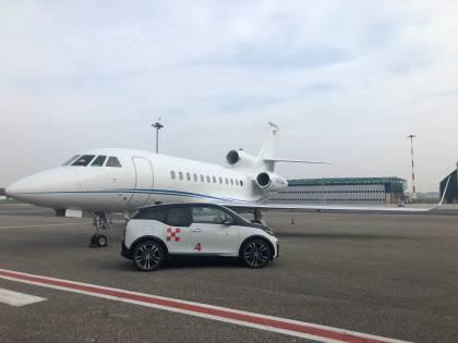 """Voli business, a Linate Prime arrivano le Bmw i3 """"full electric"""" per la mobilità sostenibile"""