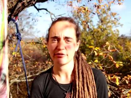 E ora Carola Rackete protesta sugli alberi: arrestata in Germania