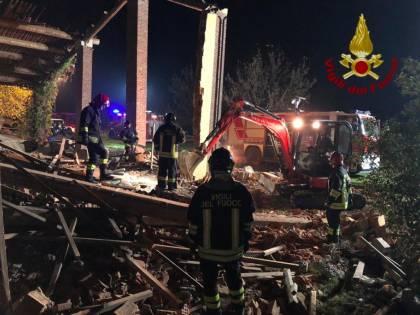 """I vigili del fuoco morirono nello scoppio doloso, il giudice: """"Furono imprudenti"""""""