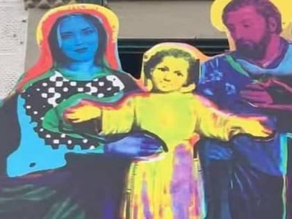 """Ferragni-Madonna, esposto in procura. A Sgarbi piace. L'arcivescovo: """"Grande tristezza"""""""