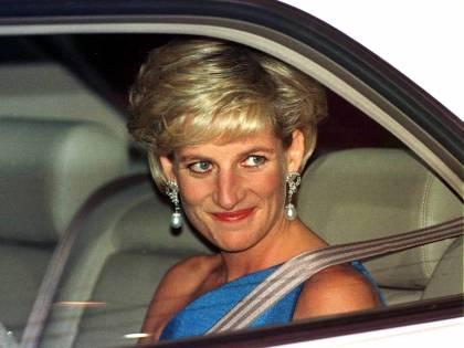 """Epstein e l'ossessione per Lady D: """"La stalkerizzava e conosceva ogni suo dettaglio privato"""""""