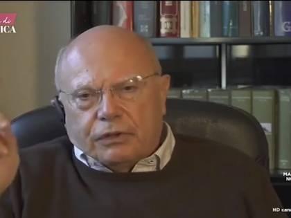 """Massimo Galli contro i medici che non vogliono vaccinarsi: """"Cambiate mestiere"""""""