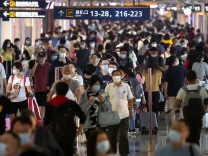 """Covid, le autorità di Hong Kong lanciano i """"lockdown su agguato"""""""