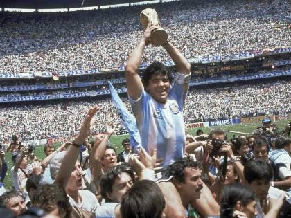 Maradona beffa il destino con la data della morte