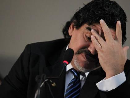 Il fervore rivoluzionario di Maradona foraggiato da bonifici e lingotti d'oro