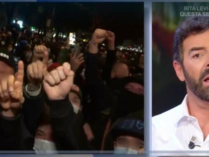 """Maradona, Matano sbotta in tv: """"Basta, questo non lo vediamo"""""""