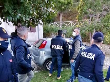 Si addestrava per diventare un terrorista: fermato cittadino italiano a Cosenza