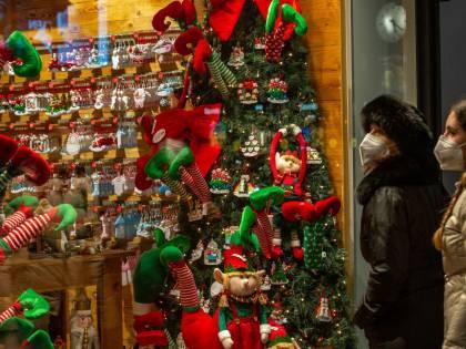 Sì alla linea dura. Messa di Natale anticipata alle 20. Poche deroghe agli spostamenti tra Regioni