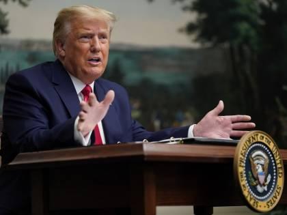 """Trump pronto a lasciare ma annuncia: """"Alla cerimonia non ci sarò"""""""