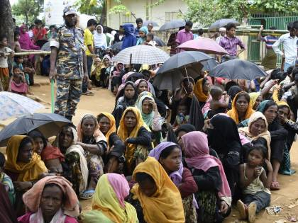 Linea dura del Bangladesh contro i profughi Rohingya: trasferiti su un'isola remota