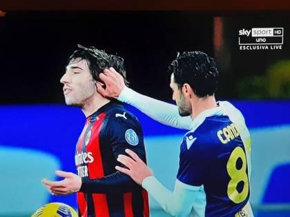 Il gesto che fa infuriare il Milan Notate nulla di strano su Tonali?