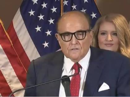 """Rudolph Giuliani ha il Covid e i dem lo deridono: """"E' il karma, gli sta bene"""""""