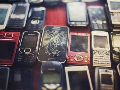 Vecchi telefoni, hai questi prodotti in casa? Valgono 700 euro