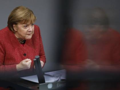 Merkel trova l'intesa con Polonia e Ungheria