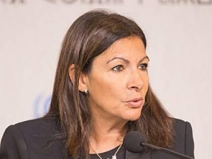 Parigi, troppe donne tra gli alti dirigenti. Scatta la multa da 90mila euro per la sindaca