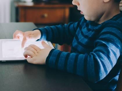 Lasci iPad a tuo figlio? Così ti svuota il conto di 16mila dollari