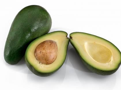 Avocado, uno al giorno migliora la salute dell'intestino