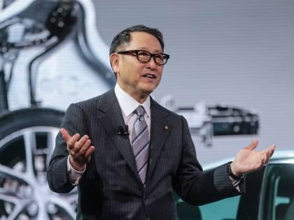 Il realismo della Toyota e i sogni chic