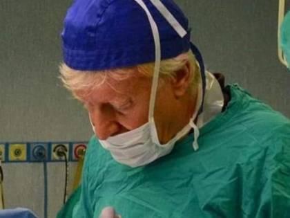 Medico accoltellato a Milano: ora spunta ipotesi di suicidio