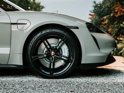 Ecco Pirelli Elect: l'autonomia delle elettriche ringrazia