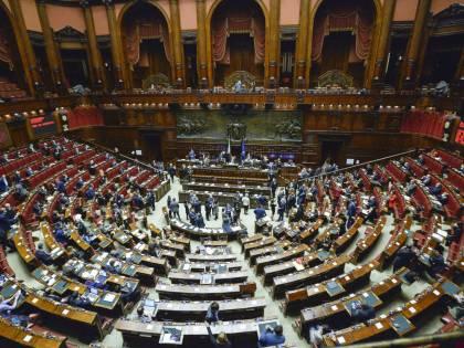 Manovra, via libera dalla Camera: il testo passa al Senato