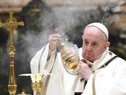Il Papa: sì alle donne sull'altare. Ma non diventeranno mai preti