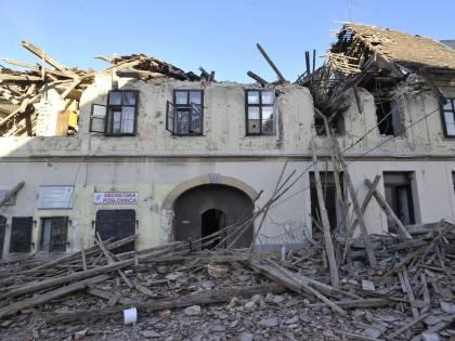 La Croazia trema, distrutta una città