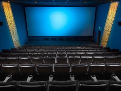 Nuovi divieti fino a Pasqua ma riaprono cinema e teatri