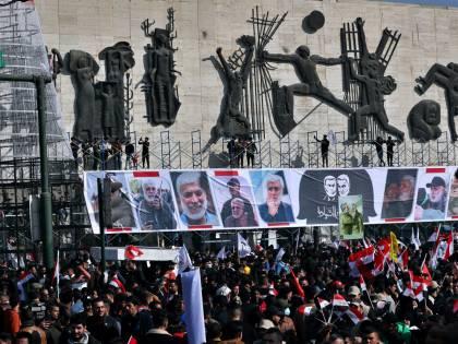 In Iran sfila la rabbia contro gli Usa. E adesso l'America teme un attacco
