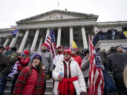 """Patrioti americani"": è bufera sul tweet di Ivanka Trump rivolto ai manifestati di Capitol Hill"
