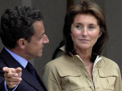 """""""Cécilia pagata per un finto incarico parlamentare"""". Nuova grana per Sarkozy"""