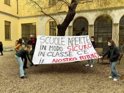 La protesta dei ragazzi (ora su fronti opposti)