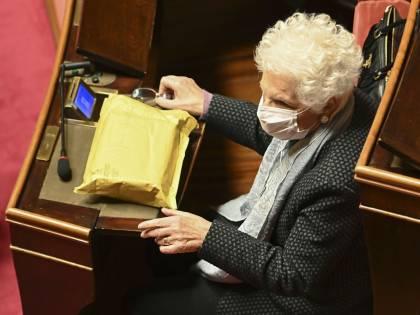 """Il ritorno dei """"grandi vecchi"""" a sostegno dell'esecutivo. Salvini cita frase choc M5s"""