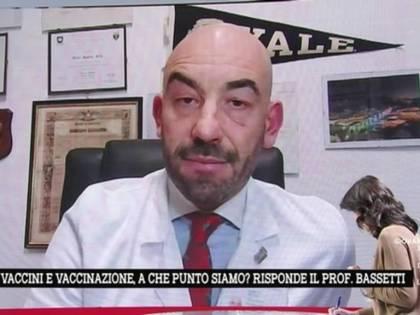 """Bassetti affonda Ricciardi: """"Non sono state studiate le varianti del Covid-19"""""""