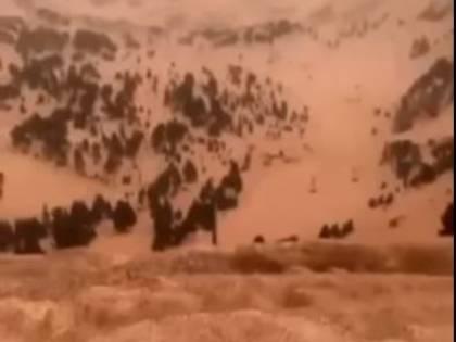 Ecco perché sulle Alpi la neve è colorata di rosso