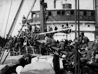 Le navi bianche che salvarono gli italiani fuggiti dall'Africa