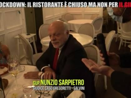 """Il pranzo """"vietato"""" del gup anti Salvini: """"Ero in stato di necessità"""""""