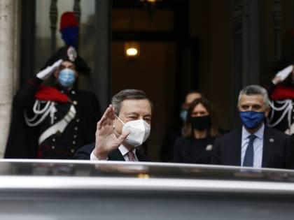 """Sottosegretari, il Colle si tira fuori: """"Draghi dovrà fare da solo..."""""""