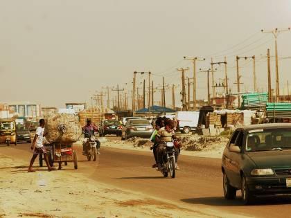 Nigeria, l'incubo si ripete. Assalto armato a scuola: rapiti in 42, c'è un morto
