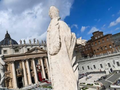 """Covid, linea dura del Vaticano: """"Chi non si vaccina mette a rischio la salute pubblica"""""""