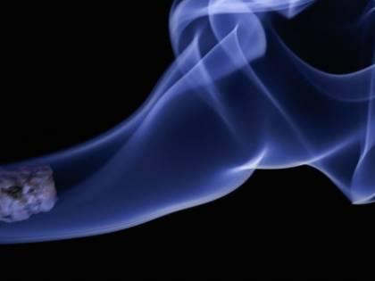 """""""Folle equiparare sigarette ed e-cig"""". Tutti i dubbi sul piano anti-cancro della Ue"""